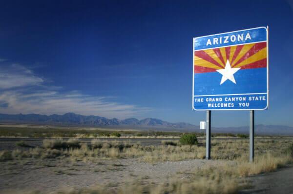 Entering Arizona sign